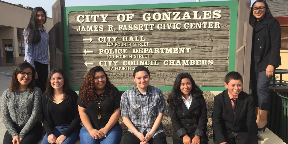Photo of Gonzales Youth Council in front of City sign