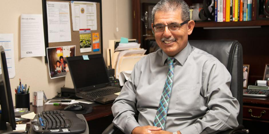 Photo of City Manager Rene Mendez